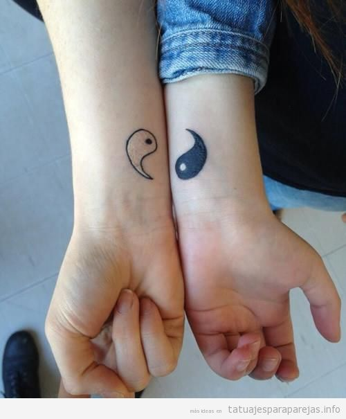 Tatuajes originales y pequeños para parejas, ying y yang