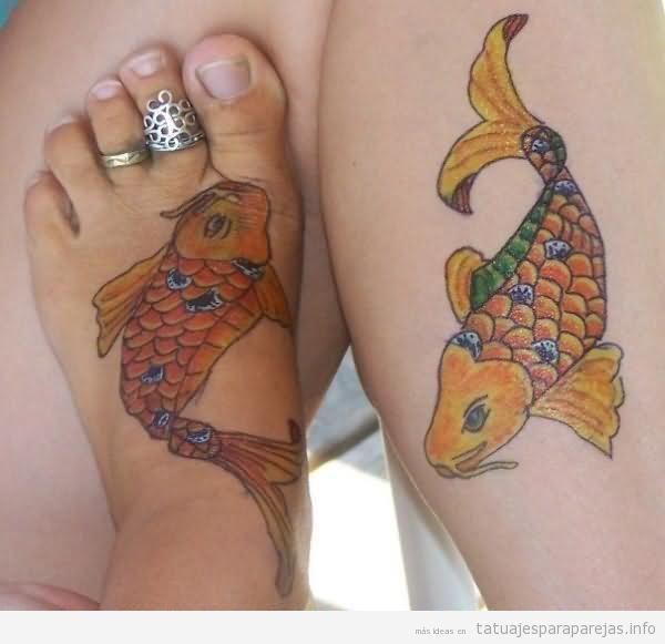 Tatuajes pareja peces en pie y brazo