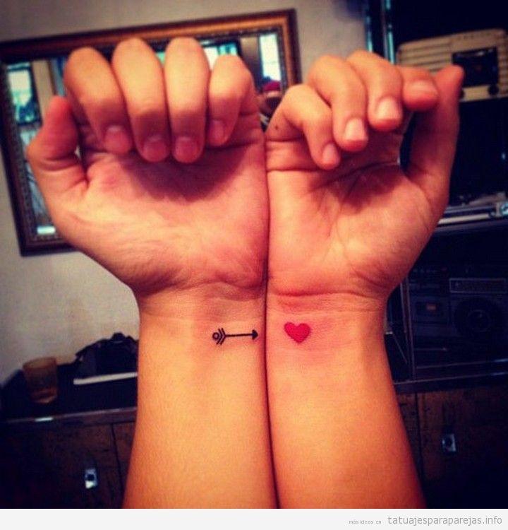 Tatuajes sencillos en pareja de corazón y flecha 5